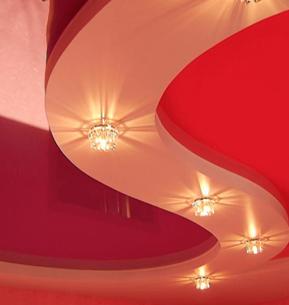 Двухуровневые криволинейные натяжные потолки