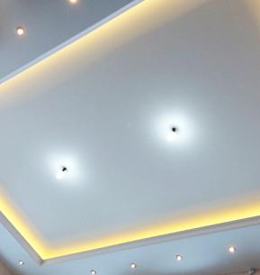 Двухуровневые прямоугольные натяжные потолки
