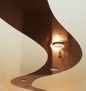 Натяжные потолки со спайкой фактур